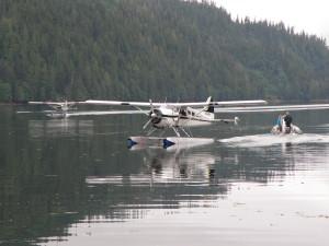 Arrivo con l'idrovolante, Khutzeymateen, British Columbia (Canada)